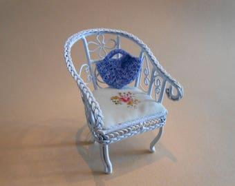 Dollhouse bag/basket