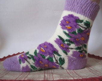Inside the sock is a terry base Nordic Beautiful knit quality Angora wool socks. Knitted pattern of Violets EU-38-40/ US- 8-9 Soft, warm