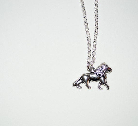 Lion Necklace, Animal Jewelry, Silver Lion Charm, Simple Necklace, Lion Jewelry, Everyday Jewelry, British Lion, Lion Pendant, Majestic Lion
