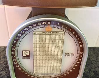 1970's Brown Metal 'Pelouze' Postal Scale Model Y-50 up to 50 LBS - May 1978, Works Great