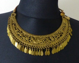 Antique vintage Brass necklace from Turkey. Costume jewelry. Free shipping worldwide.