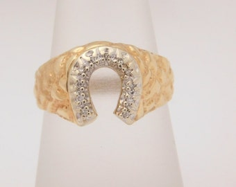 0.13 Carat T.W. Round Cut Diamond Horseshoe Ring 10K