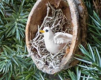 Christmas Walnut Shell Decoration: Dove