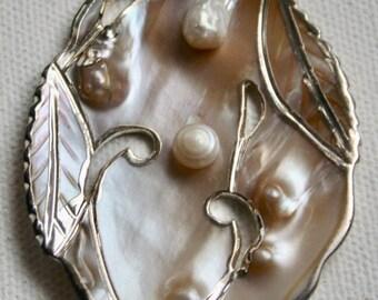 Pendants - Pearl Various Sizes - 4 pieces
