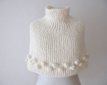 Chunky knitted capelet  - knit capelet - poncho - wrap - shrug - shawl