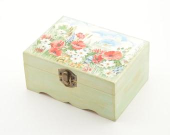 Poppy jewelry box, poppy and daisy field box, field flowers, wooden jewelry box, decoupage box, wooden box, decoupage jewelry box