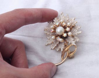 1950s White Floral brooch with aurora borealis stones