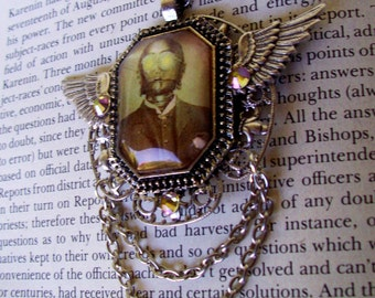 Steampunk Star Wars (N613) - C3PO Tribute Necklace - Image Under Glass - Silver Framework and Wings - Swarovski Crystals - Chain
