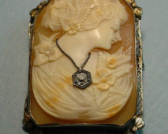 Vintage Cameo Brooch in 14 KT Yellow Gold W/Habille Converter  42 X 37 mm  5 mm Diamond<> Free SH, Insurance to U.S.A. <>ETB7359