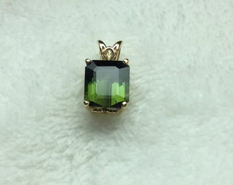 Genuine Green Tourmaline Pendant 14 Kt Yellow Gold