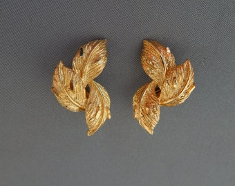 Vintage CORO Gold Leaf Earrings Clip-Ons, Gold Tone Leaves Clip-Ons, Gold Leaf Spray Earrings Coro, Mid Century Autumn Fall Jewelry