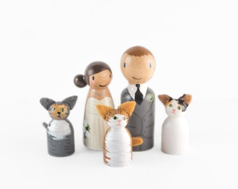 Custom Peg People Cake Topper with 3 cats - peg couple and 3 cats wedding cake topper - cute cat cake topper - cat wedding cake topper