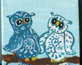 Owls mini canvas painting, Easel, blue and white damask Owl art, mini owl painting, small owls painting, little bird art, Owls portrait