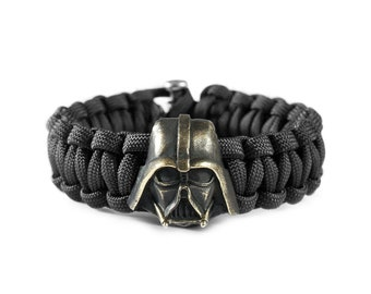 Darth Vader paracord bracelet - Star Wars bracelet with a bronze bead-clip. Unique system of fastening bracelet and 40 colors of paracord.