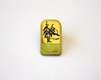 Petawawa National Forestry Institute Pin 1918 - 1995, Vintage Forestry Pin, PNFI