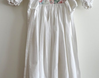 vintage girl's dress white/floral puff sleeve size 6/8 years