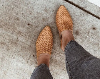 The Paloma handmade woven leather mule - tan