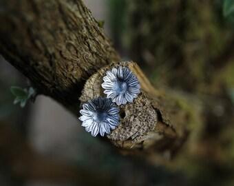 daisy stud earrings, flower stud earrings, floral stud earrings, boho studs, bohemian stud earrings, floral jewelry, flower child gift