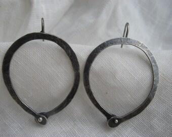 small rivet hoop (E137-s)