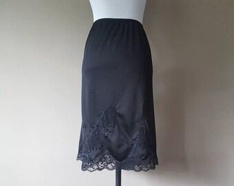 3X / Richform / Half Slip / Black Nylon / Embroidered Lace / Hem Lace / XXXL / Plus Size
