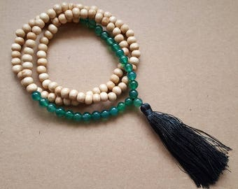 Necklace wooden beads and green agate gemstone and large Pompom