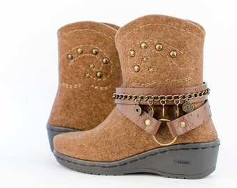 Western Fashion style Cowboy boots Women brown   Cowgirl boots   Eco-friendly handmade felt boots