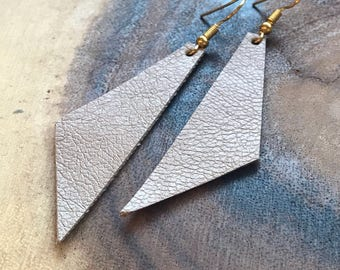 Perfect Angle Leather Earrings {Taupe}