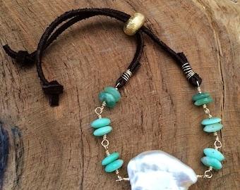 Baroque Pearl Bracelet / Freshwater Pearl Bracelet / Chrysoprase Bracelet / Gemstone Bracelet / Suede Leather Bracelet