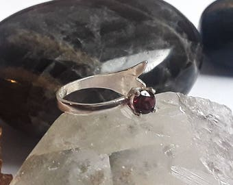 Garnet sterling silver knuckle ring