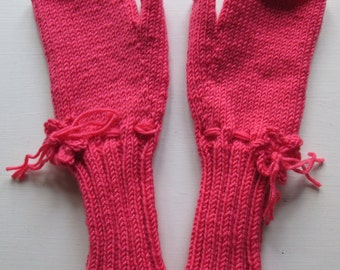 Coral Fingerless Mitts