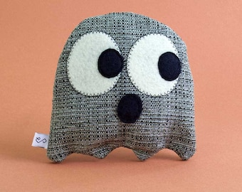 Dog Toy / Ghost Toy / Squeaky Toy / Stuffed Toy / Plushie / Modern Dog / Cute / Halloween / Fun / Gifts For Dogs / Dog Gifts - Pepe Le Boo