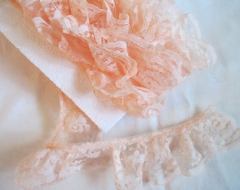 """Vintage peach ruffle lace 3 yards 28 inches and 2"""" wide for clothing and craft sewing"""