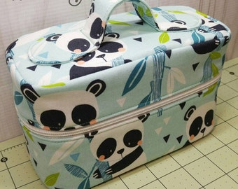 Pandas Train/Makeup Case