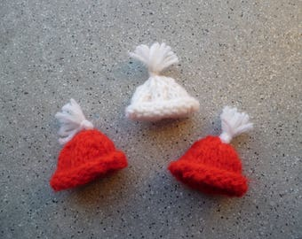 1 set of 3 miniature hats wool handmade red and ecru, hanging tree, Christmas ornament, customisaion