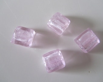 set of 4 glass beads of shape square - light pink color - metallic Interior