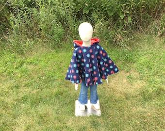 Car seat poncho, children's fleece poncho, reversible poncho, navy with flowers toddler Poncho, girl poncho, cape, hooded poncho, travel