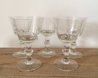 Set of 5 Vintage Etched Starburst Champagne Coupes Wine Glasses