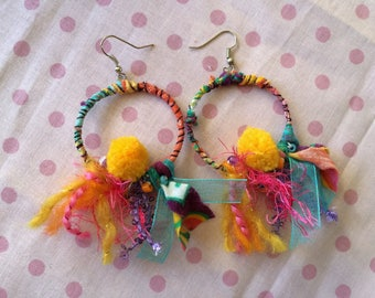 Lightweight earrings and colorful multi-material