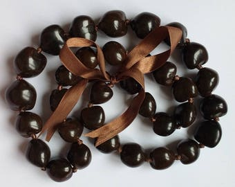 Brown Kukui Nuts necklace
