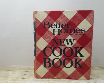Better Homes and Gardens New Cookbook, 1968, vintage cookbook, read descriptions