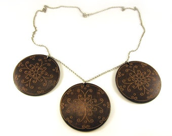 SALE Vintage fashion Handmade necklace with silver chain and wood round elements