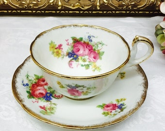 "Royal Standard teacup and saucer ""Rose Bouquet"""