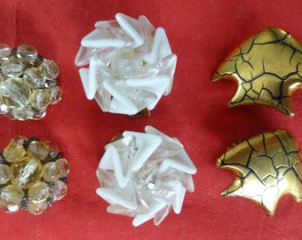 3 pairs of vintage clip on earrings.- Western Germany - Fish , Flower, Cluster - Fashion accessories