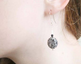 Geometric jewellery, Circle earrings, black and white earrings, Black drop earrings, lightweight earrings, contemporary jewellery