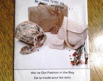 Vintage DESIGNER Sport Bag, Drawstring Tote, Duffel Bag, Messenger Bag & Handbag - UNCUT ff Vintage Sewing Pattern Butterick 4920 / 444