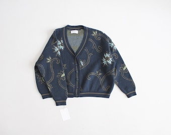 cropped floral cardigan | united colors of Benetton sweater | navy blue floral sweater