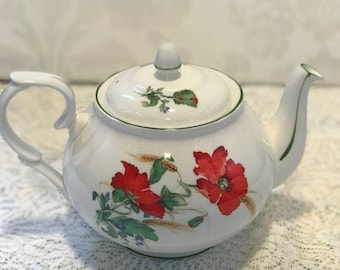 Duchess Poppies Large Teapot