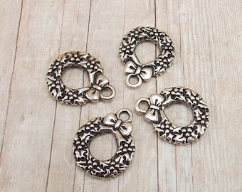 Set of 4 Tierra Cast Silver Pewter Charms - Christmas Wreath with Bow - Antique Silver Finish