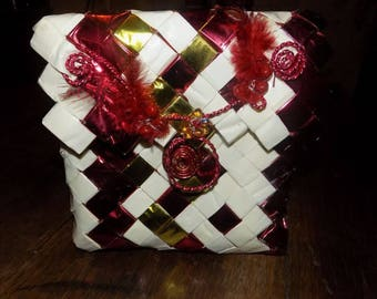 make-up in gift wrap Kit