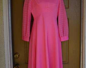 Vintage 1970s pink maxi dress 70s medium large polyester